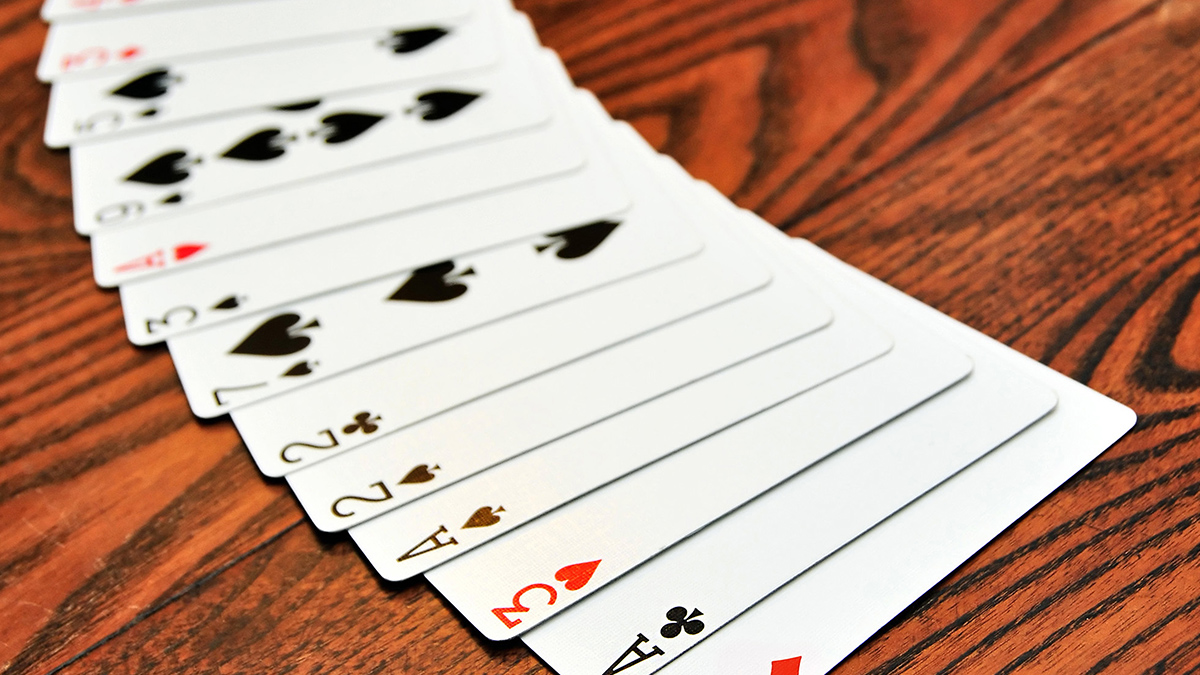 does counting cards work in poker