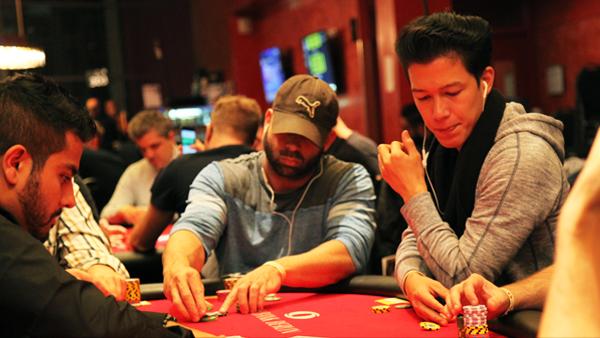 bet poker 888