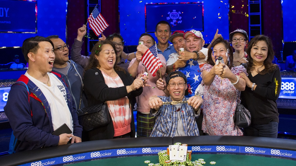 wsop crazy eights winner Hung Le